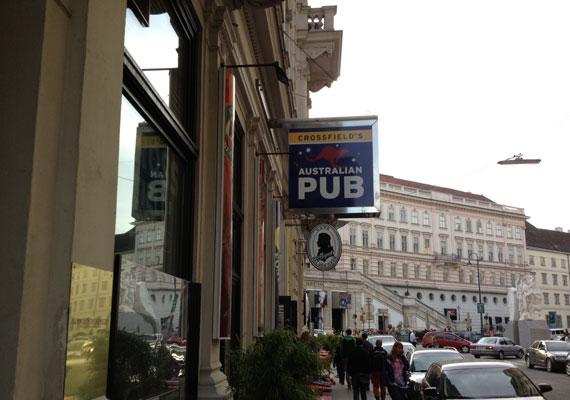 130923-crossfields-australian-pub